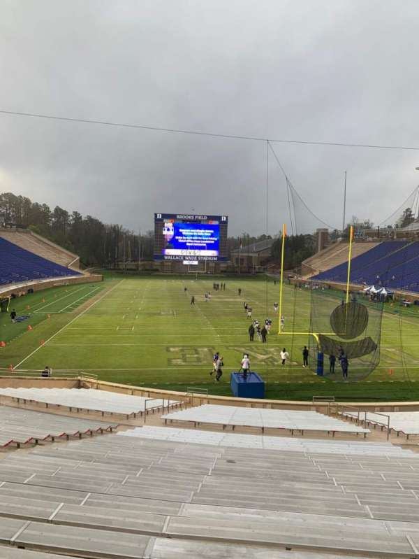 Wallace Wade Stadium, section: 15, row: V, seat: 24