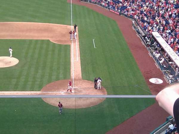 Citizens Bank Park, section: 324, row: 2, seat: 17