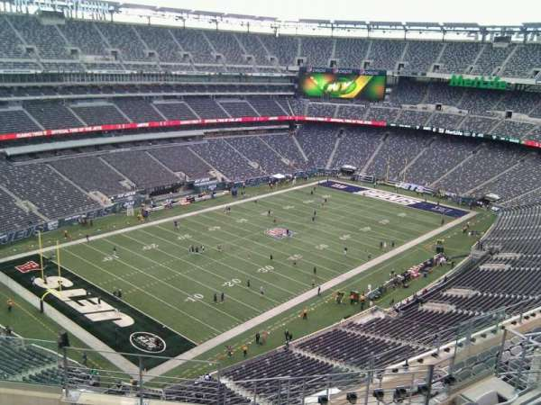 MetLife Stadium, section: 320, row: 11, seat: 10