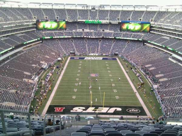 Metlife Stadium, section: 326, row: 24, seat: 19
