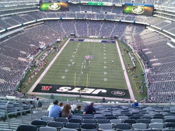 MetLife Stadium, section: 325, row: 21, seat: 25