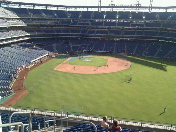 Citizens Bank Park, section: 302, row: 10, seat: 21