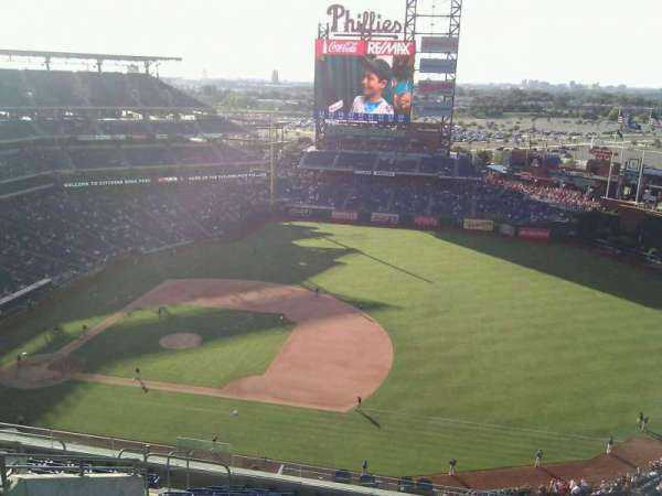 Citizens Bank Park, section: 413, row: 14, seat: 16