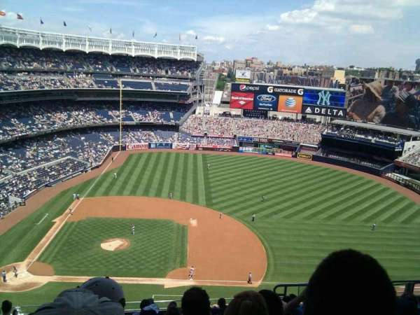 Yankee Stadium, section: 416, row: 10, seat: 9