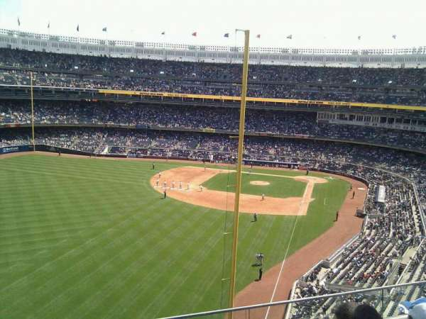 Yankee Stadium, section: 332, row: 3, seat: 19