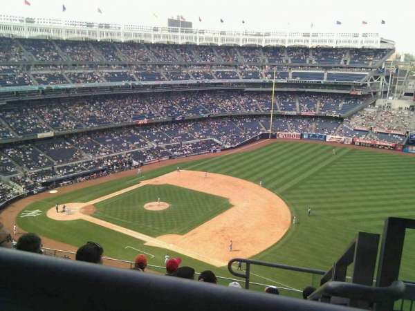 Yankee Stadium, section: 413, row: 7, seat: 1