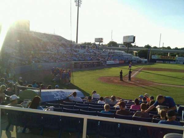 Frawley Stadium, section: d, row: 3, seat: 5