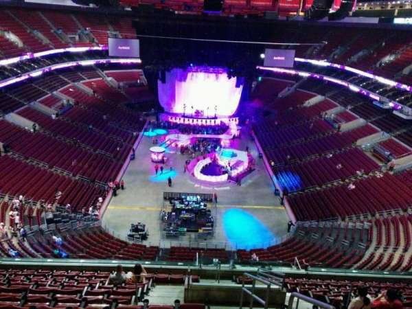 Wells Fargo Center, section: 207, row: 14, seat: 20