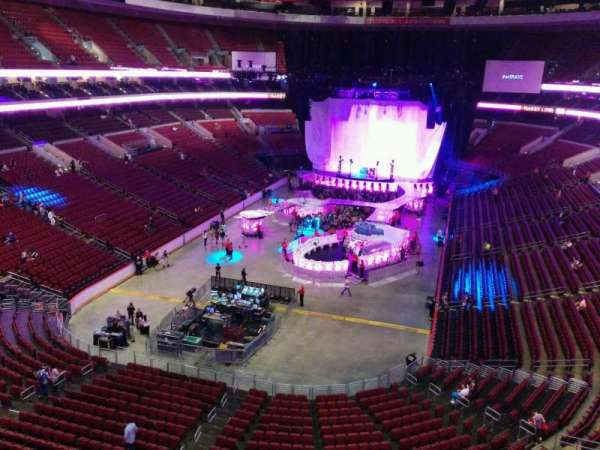 Wells Fargo Center, section: 208, row: 2, seat: 6