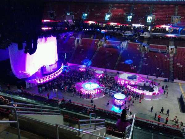 Wells Fargo Center, section: 202, row: 10, seat: 4