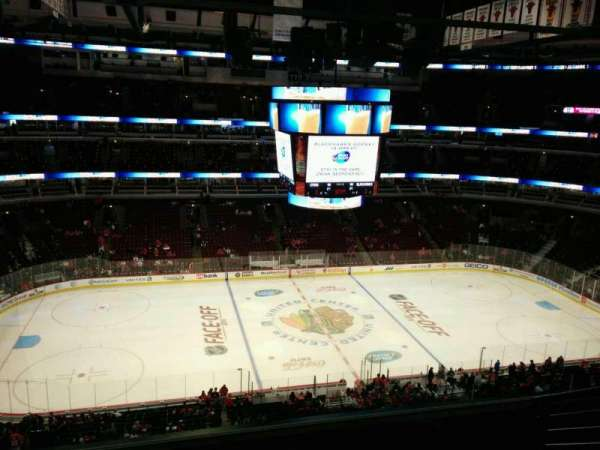 United Center, section: 302, row: 7, seat: 3