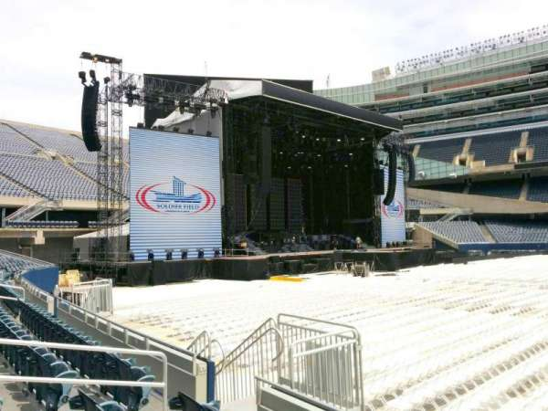 Soldier Field, section: 140, row: 4, seat: 9