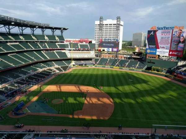 Truist Park, section: 418, row: 4, seat: 1