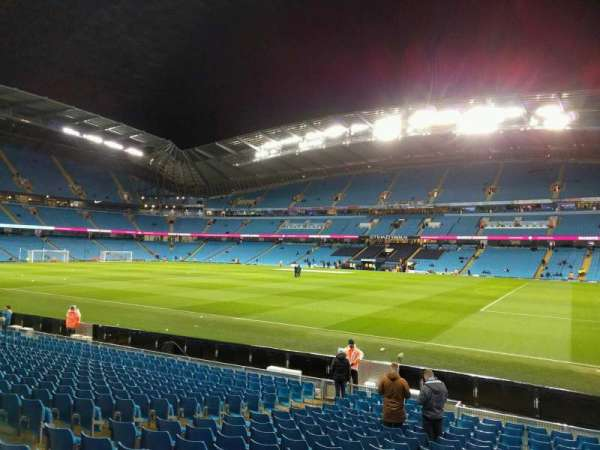 Etihad Stadium (Manchester), section: 101, row: r, seat: 19