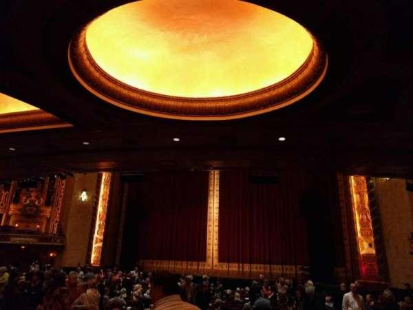 Shea's Buffalo, section: Orchestra 2, row: v, seat: 28