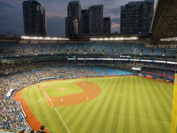 Rogers Centre, section: 510l, row: 16, seat: 105