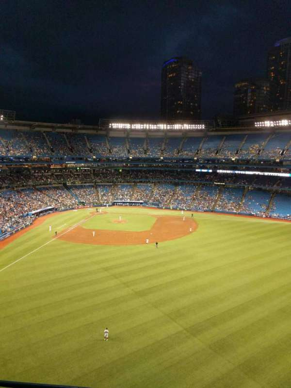 Rogers Centre, section: 505l, row: 3, seat: 105