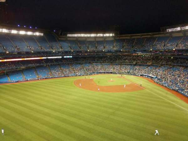 Rogers Centre, section: 543l, row: 1, seat: 104