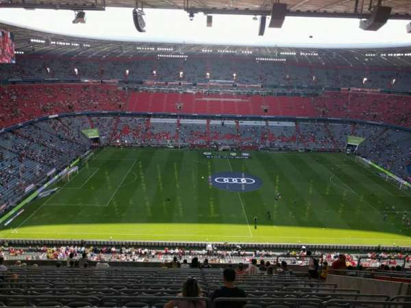 Allianz Arena, section: 327, row: 17, seat: 6