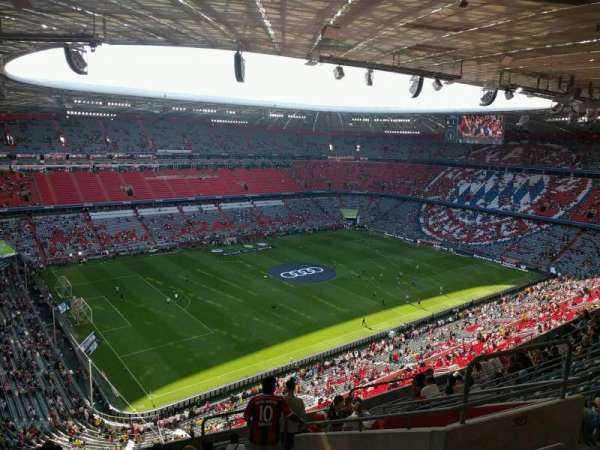 Allianz Arena, section: 323, row: 14, seat: 8