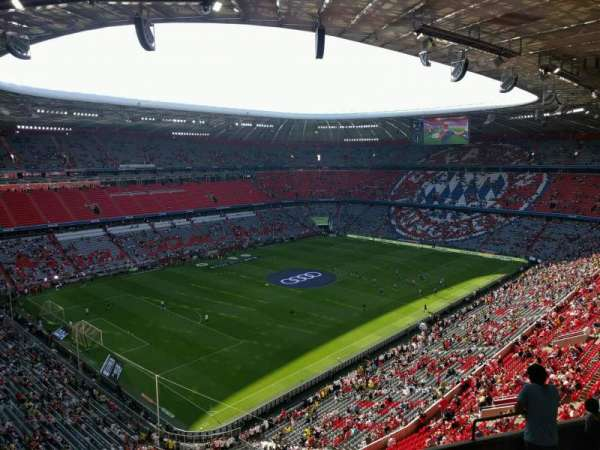 Allianz Arena, section: 322, row: 9, seat: 5