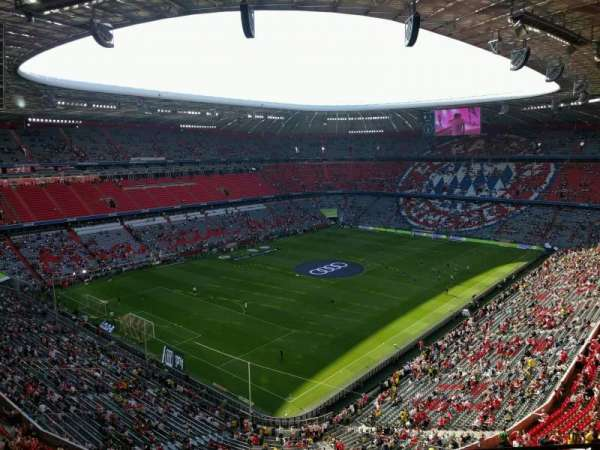 Allianz Arena, section: 321, row: 5, seat: 8