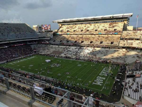 Kyle Field, section: 401, row: 3, seat: 5