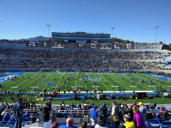 Falcon Stadium, section: m22, row: r, seat: 31