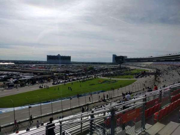 Texas Motor Speedway, section: PU422, row: 35, seat: 13