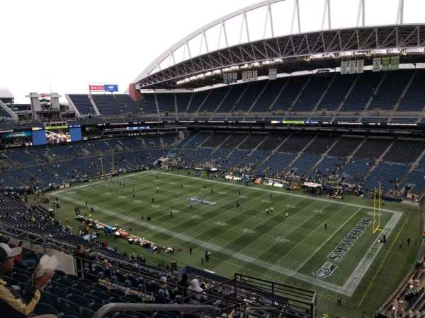 Lumen Field, section: 303, row: m, seat: 13
