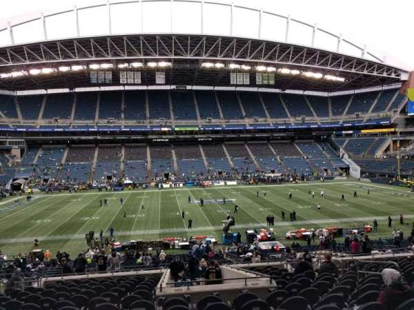 Lumen Field, section: 210, row: q, seat: 9