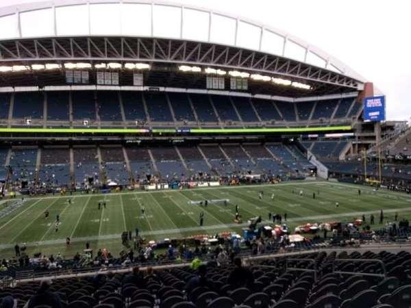 Lumen Field, section: 211, row: u, seat: 8