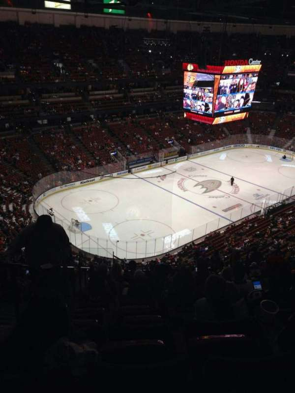 Honda Center, section: 439, row: s, seat: 14