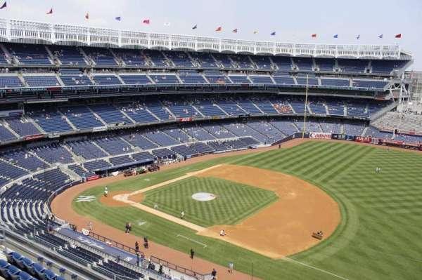 Yankee Stadium, section: 412, row: 5, seat: 10