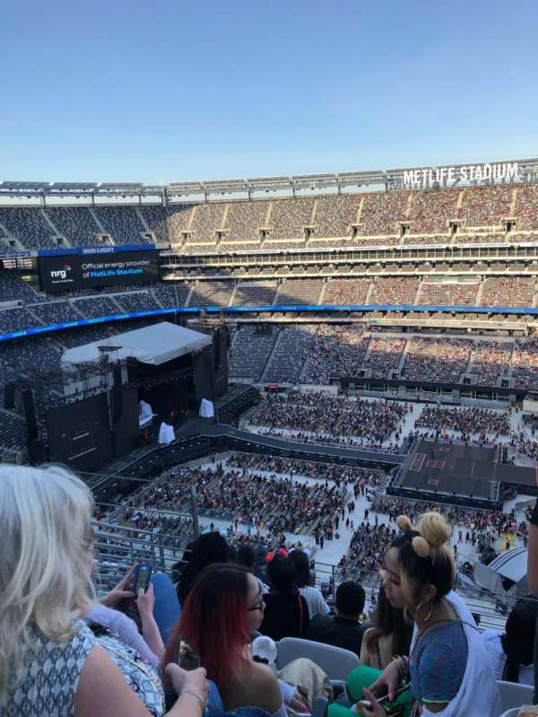 MetLife Stadium , section: 337, row: 12, seat: 19