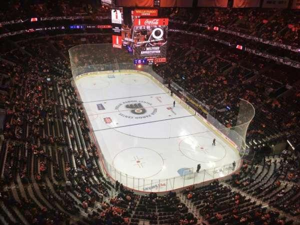 Wells Fargo Center, section: REVOLUTIONARY ROW C, seat: 285