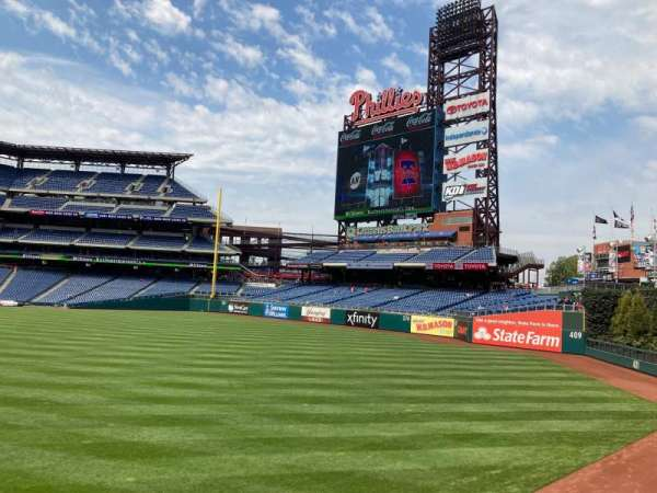 Citizens Bank Park, section: 104, row: 1