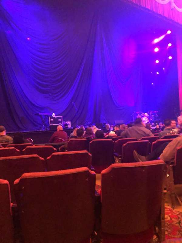 Fox Theatre (Detroit), section: F2, row: G, seat: 211