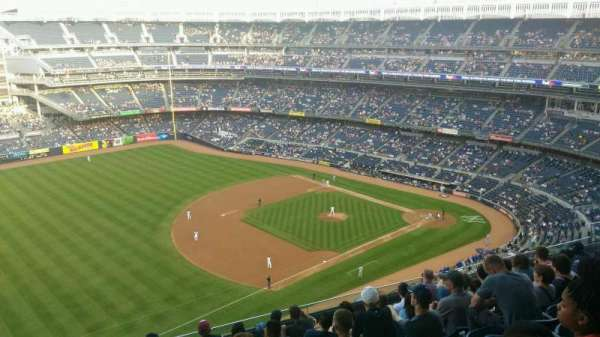 Yankee Stadium, section: 428, row: 9, seat: 22