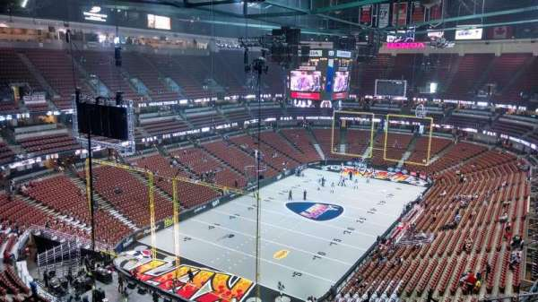 Honda Center, section: 420, row: M, seat: 8