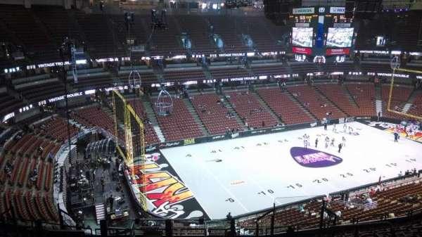 Honda Center, section: 417, row: M, seat: 8