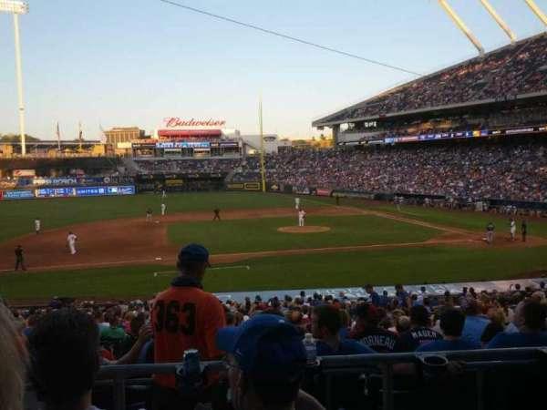 Kauffman Stadium, section: 221, row: CC, seat: 3