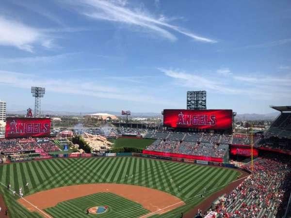 Angel Stadium, section: 522, row: F, seat: 11