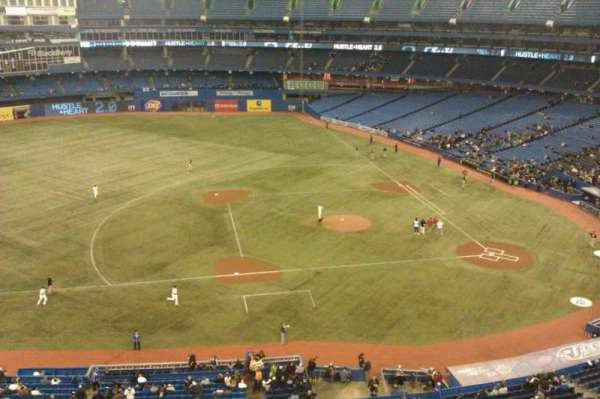 Rogers Centre, section: 530L, row: 1, seat: 105