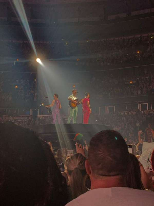 United Center, section: Floor 4, row: 10, seat: 17