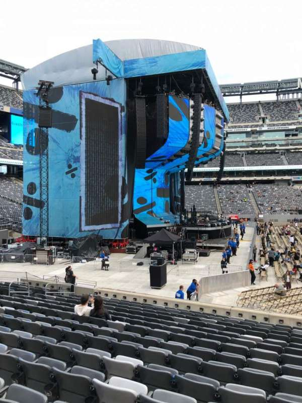 MetLife Stadium, section: 142, row: 15, seat: 13-14