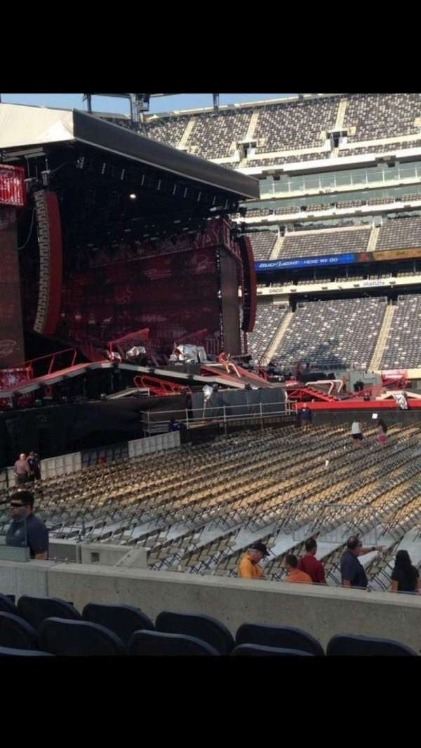 MetLife Stadium, section: 140, row: 11