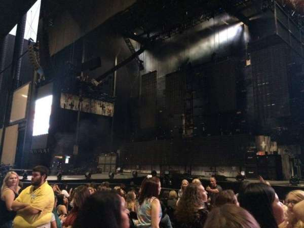 Hollywood Casino Amphitheatre (Tinley Park), section: 102, row: J, seat: 15