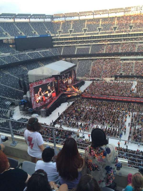 Metlife Stadium, section: 339, row: 4, seat: 1-2