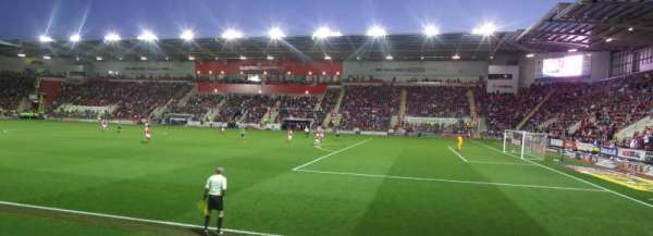 New York Stadium, section: ES2, row: D, seat: 39